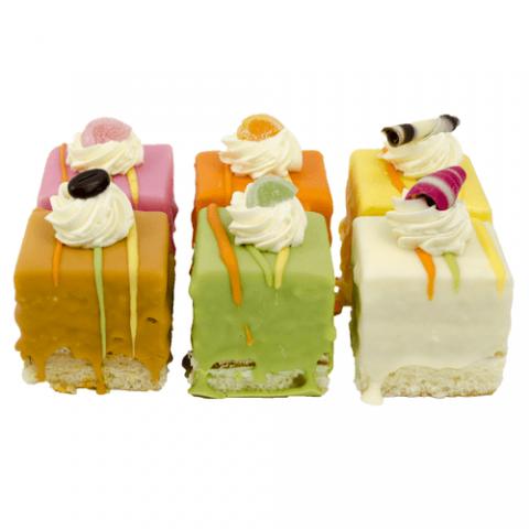 Luxe Cake Petit Four Bezorgen